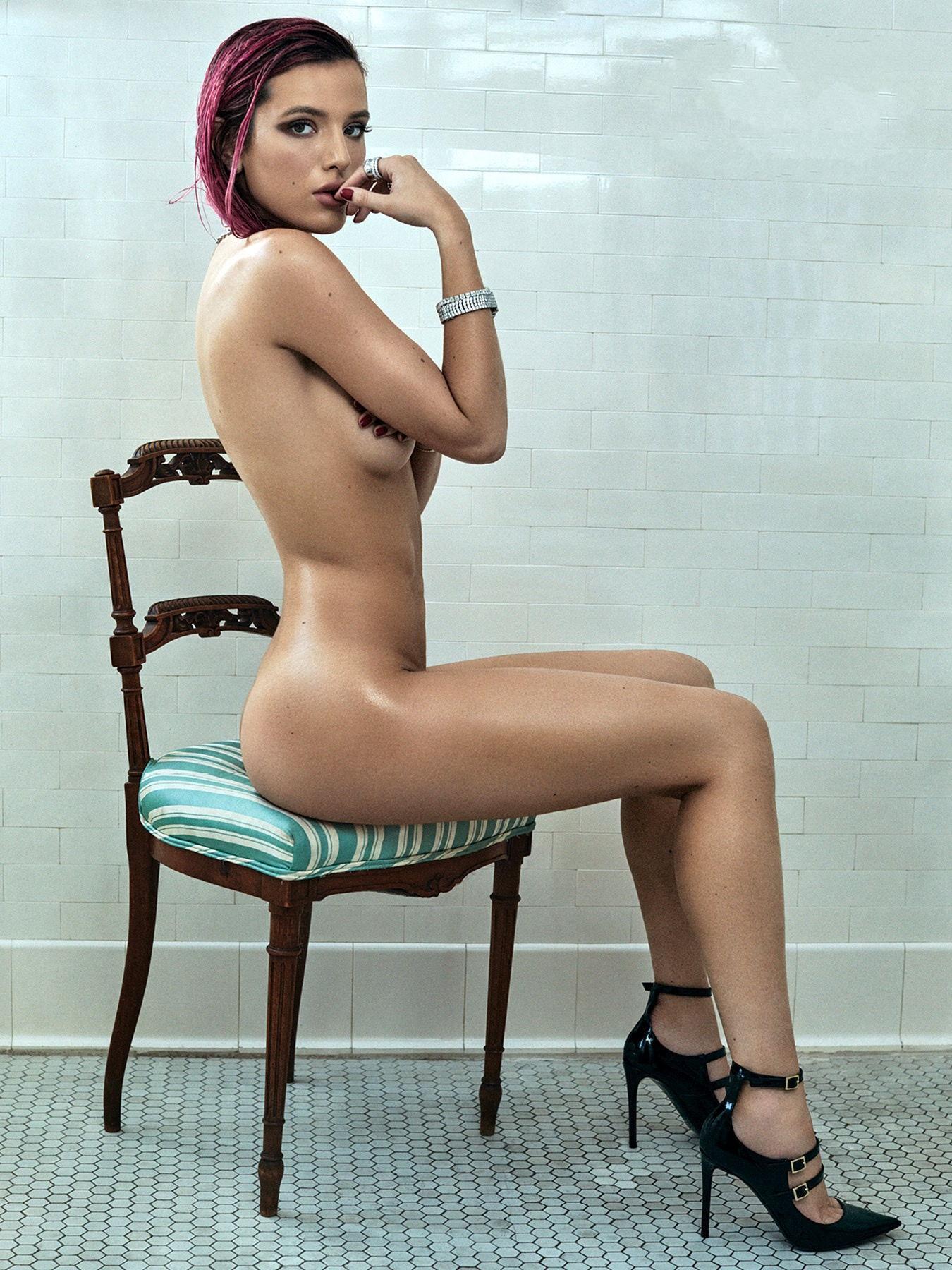 Bella Thorne Nago. Zdjęcie - 1