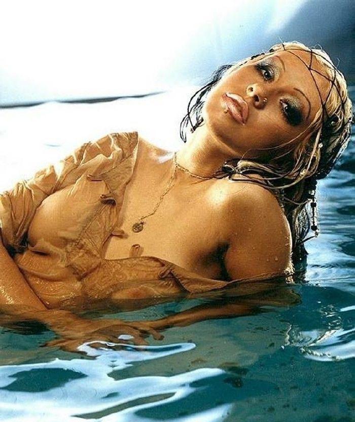 Christina Aguilera Nago. Zdjęcie - 15