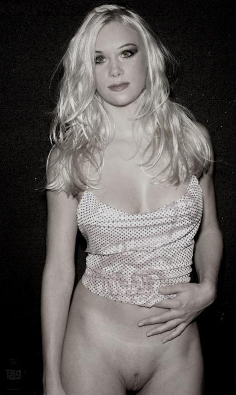 Christina Applegate Nude. Photo - 228