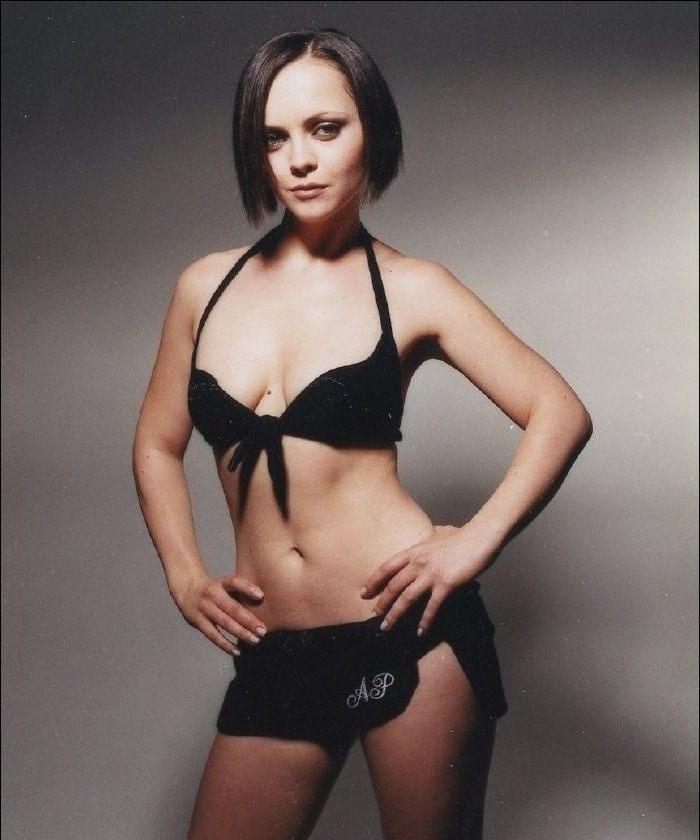 Christina Ricci Nude. Photo - 10