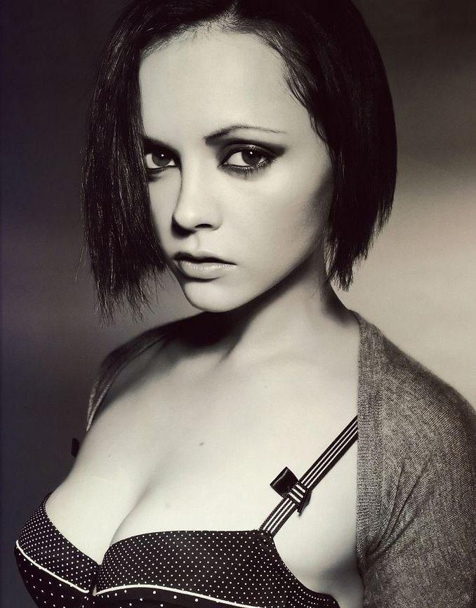 Christina Ricci Nude. Photo - 12