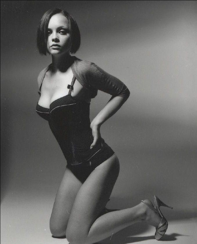 Christina Ricci Nude. Photo - 13