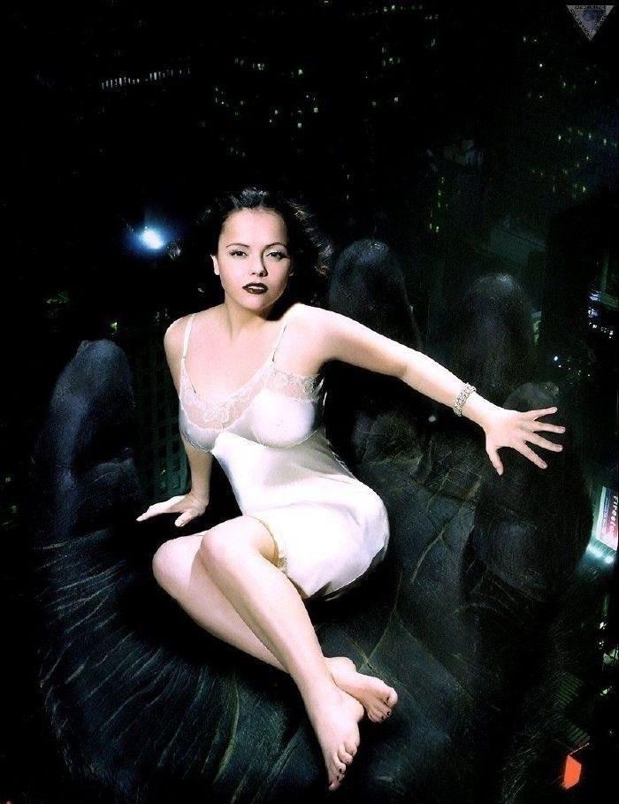 Christina Ricci Nude. Photo - 17