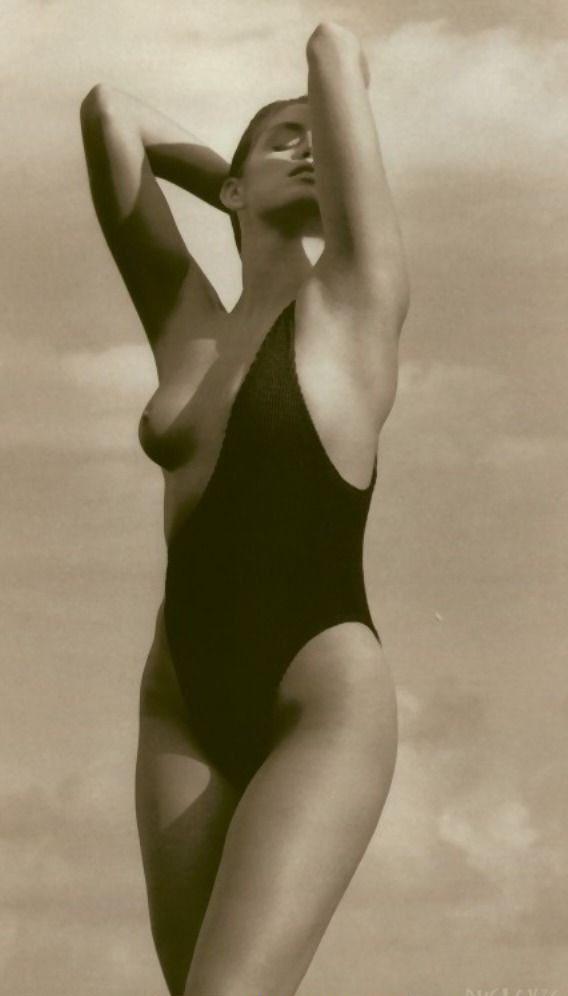 Cindy Crawford Nago. Zdjęcie - 22
