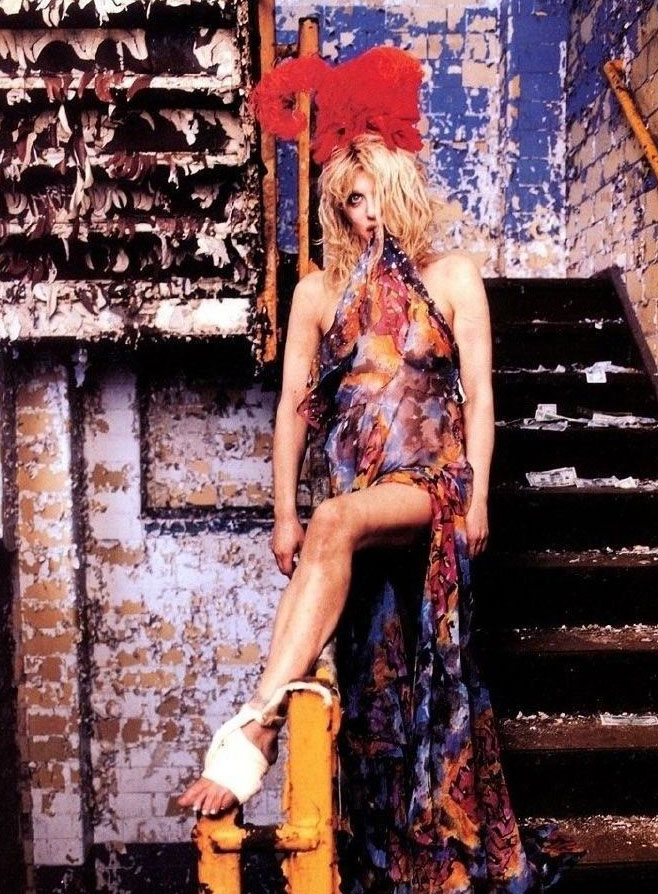 Courtney Love Nago. Zdjęcie - 11