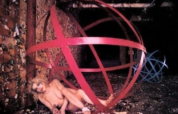 Courtney Love Nago. Zdjęcie - 12