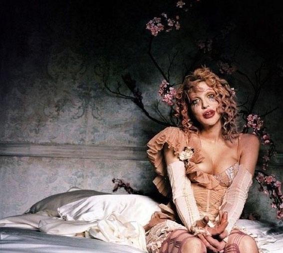 Courtney Love Nago. Zdjęcie - 9