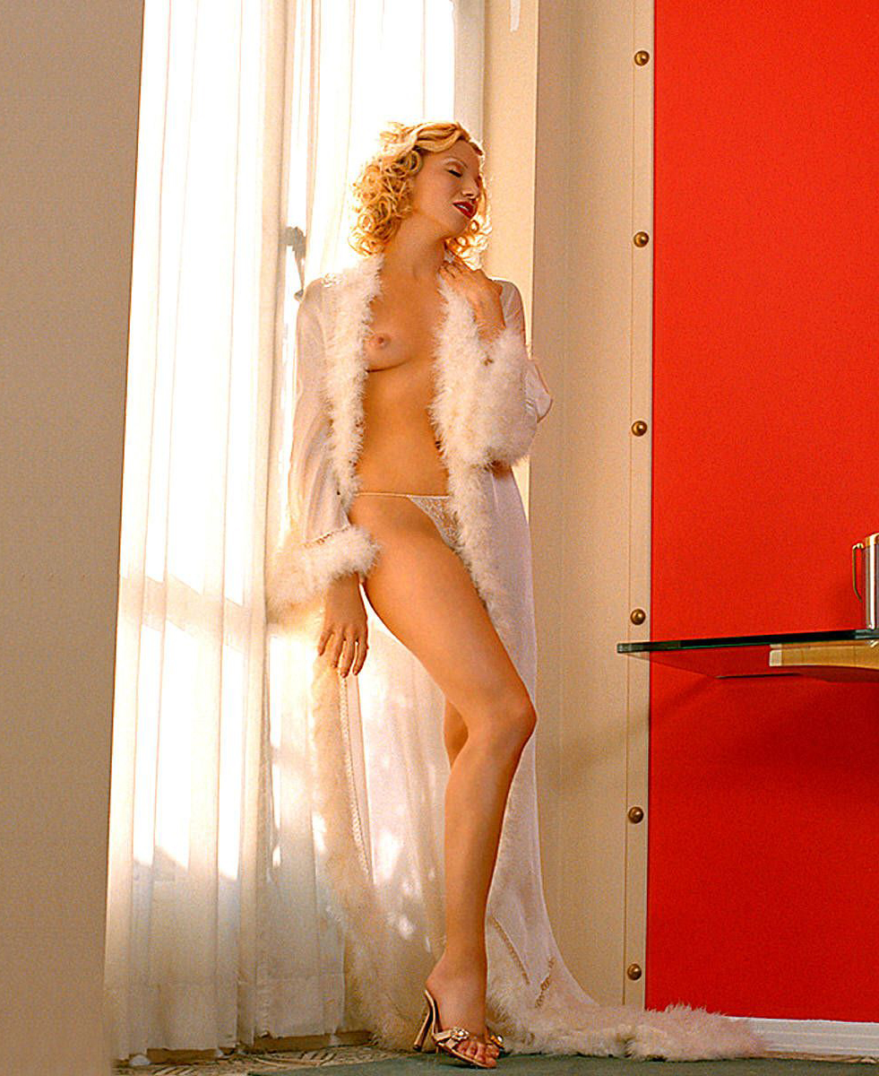 Debbie Gibson Nago. Zdjęcie - 14