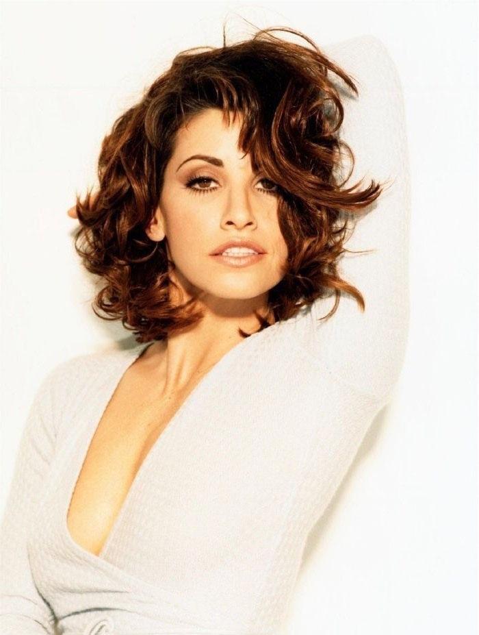 El mediocre topless de Gina Gershon