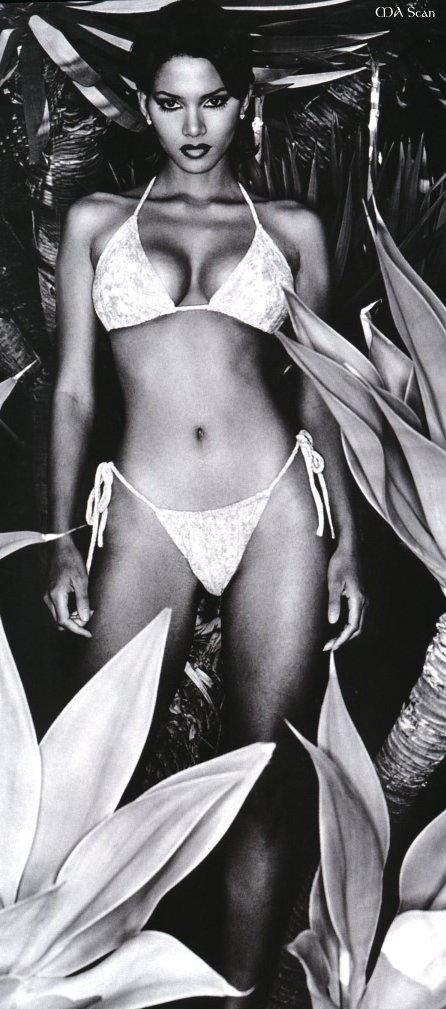 Halle Berry Nago. Zdjęcie - 12