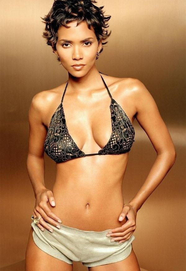 Halle Berry Nude. Photo - 2
