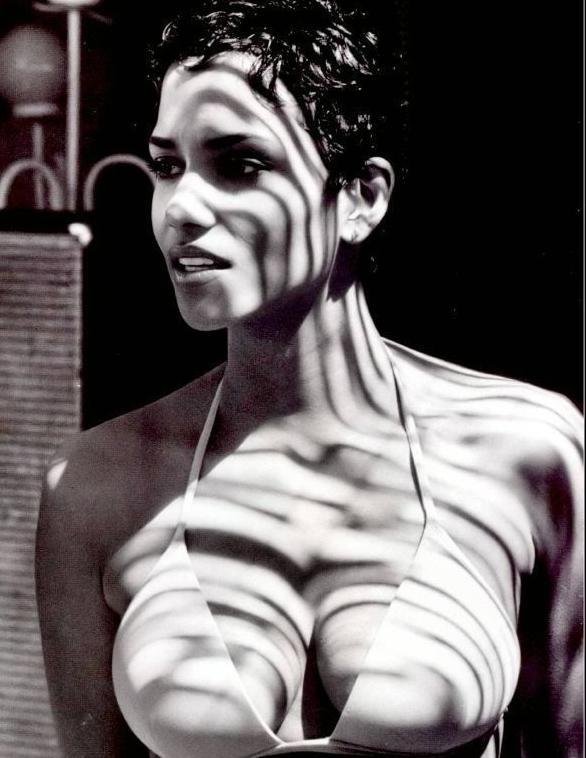 Halle Berry Nago. Zdjęcie - 25