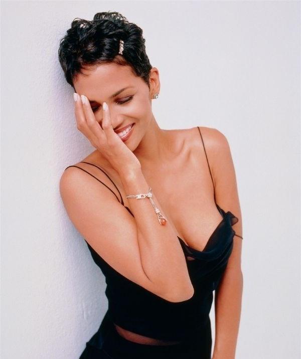 Halle Berry Nude. Photo - 26