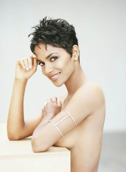 Halle Berry Nude. Photo - 38