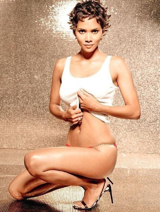 Halle Berry Nude. Photo - 4