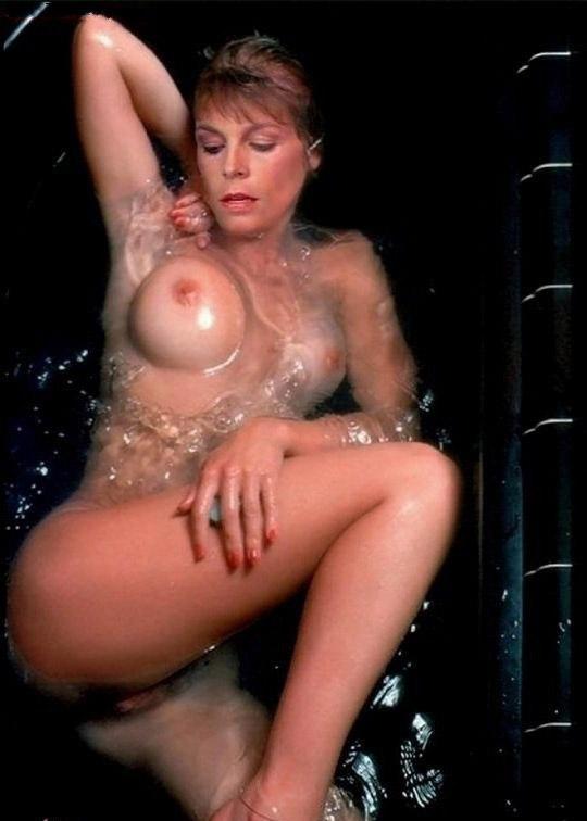 Jamie Lee Curtis Nude. Photo - 8