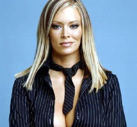 Jenna Jameson zeigt sich fast nackt. » Nacktefoto.com