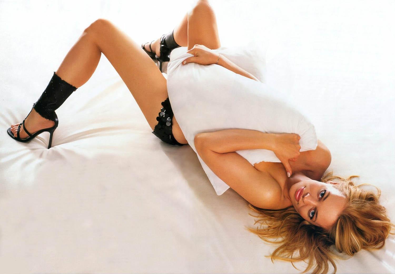 Jeri Ryan sexy posing pics