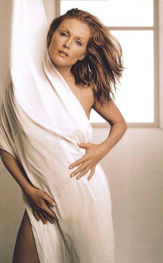 Julianne Moore Nago. Zdjęcie - 18