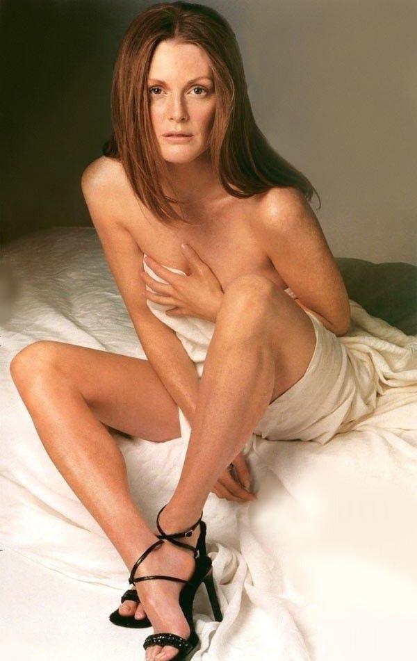 Julianne Moore Nago. Zdjęcie - 2
