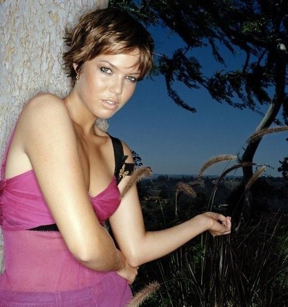 Mandy Moore Nago. Zdjęcie - 9