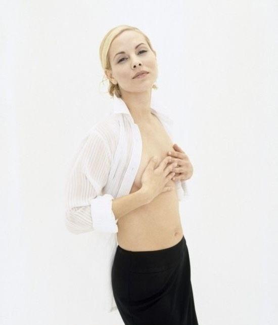Maria Bello Nude. Photo - 11