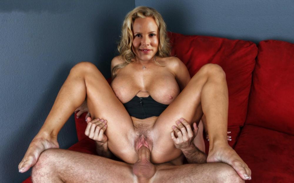 Maria Bello Nude. Photo - 4