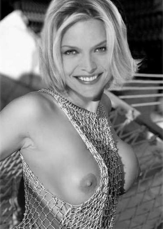 Michelle Pfeiffer Nude. Photo - 63