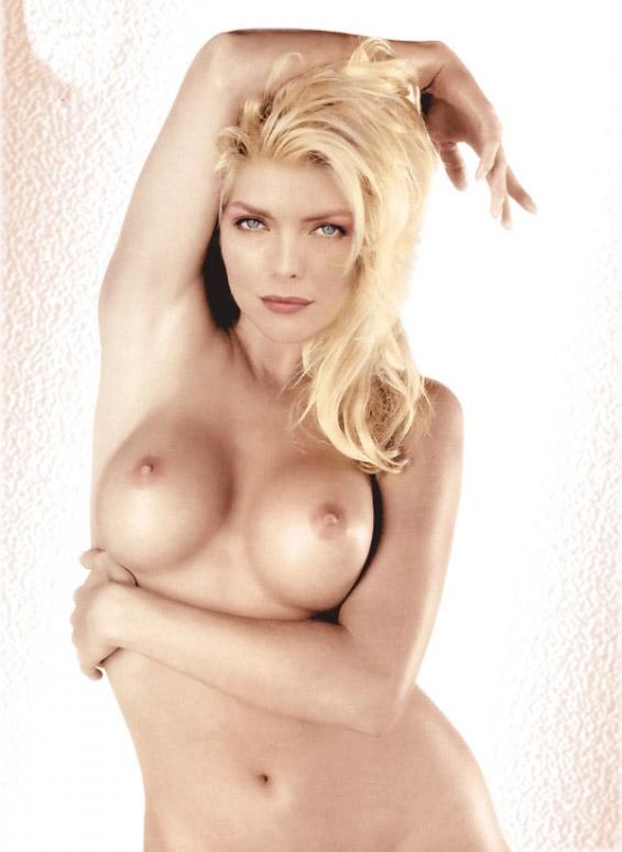 Michelle Pfeiffer Nude. Photo - 90