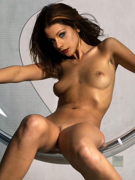 Constance Zimmer Nude