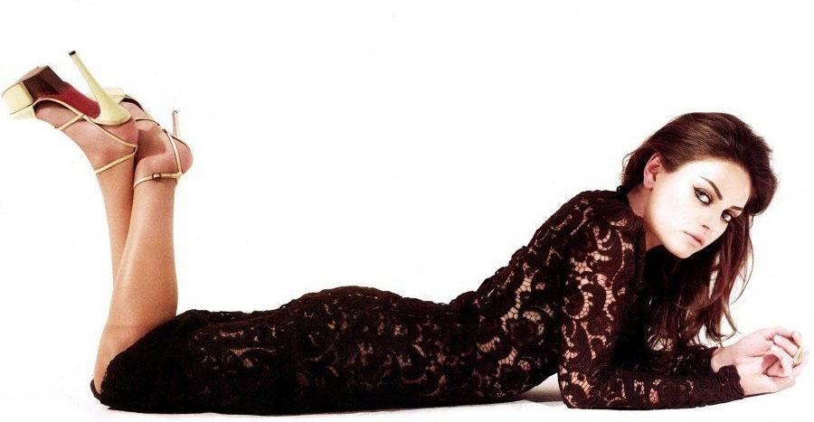 Mila Kunis Nude. Photo - 2