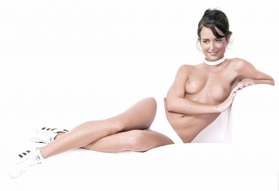 Milana Vayntrub Nude. Photo - 11