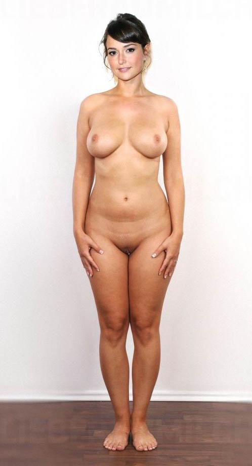 Milana Vayntrub Nude. Photo - 40