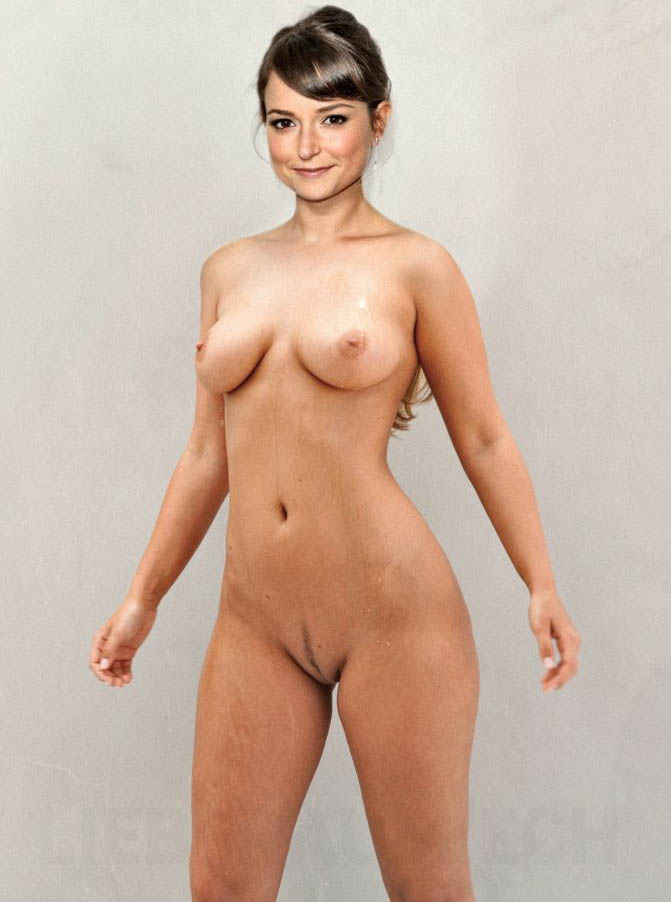 Milana Vayntrub Nude. Photo - 9