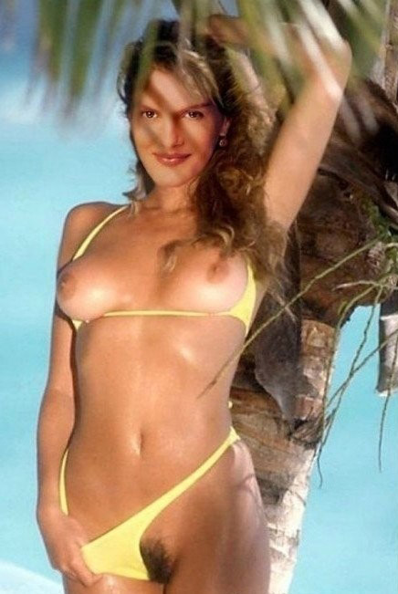 Rene Russo Nude. Photo - 16
