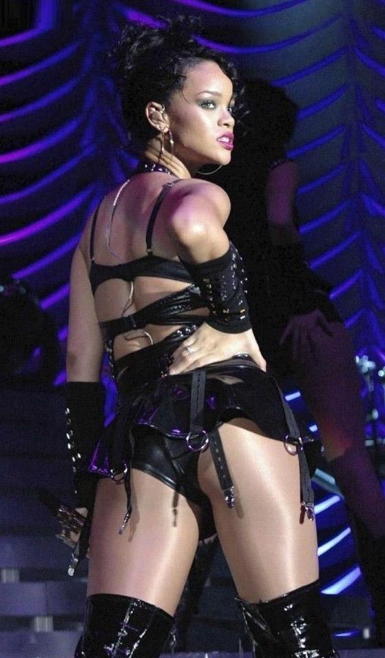 Rihanna Nackt. Foto - 3
