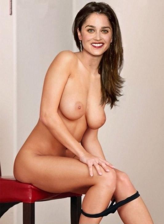 ¿Quién quiere ver las mejores fotos de Robin Tunney completamente desnudos?