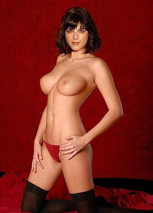 Selma Blair  nackt