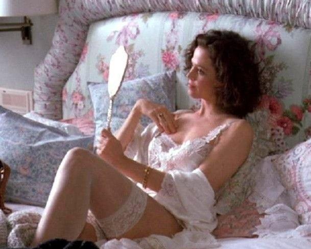 Sigourney Weaver Nude. Photo - 17