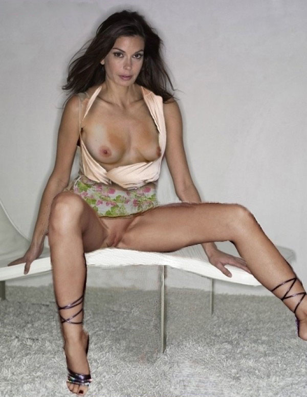 Naked teri hatcher nude