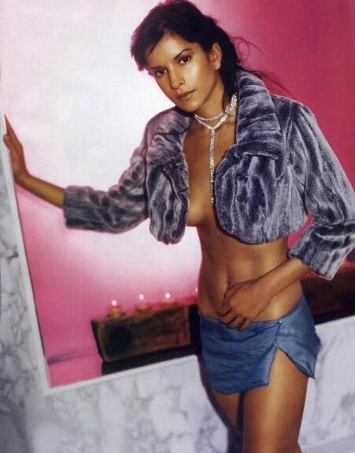 Patricia Velásquez ¡Completamente desnuda!