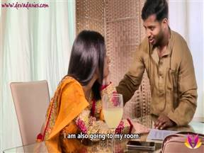 Индийская девушка с кучерявой пиздой хочет мужика.