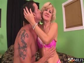 Ellie Anderson в пореве с горячим мужиком.