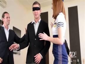 Рыжая стюардесса в порно с тремя мужиками.