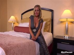 Кастинг с порно мамочкой.