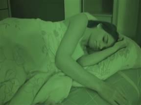 Ночное проникновение в комнату девушки для секса.